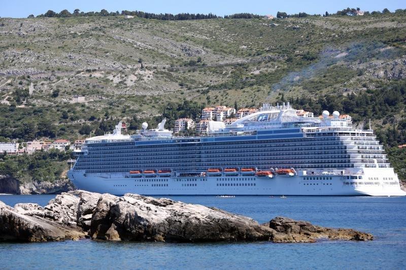 U Dubrovnik stigao najveći kruzer ikad